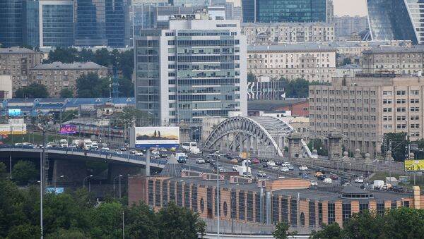 Widok na Moskiewskie City z punktu widokowego na Wzgórzach Worobiowych w Moskwie  - Sputnik Polska
