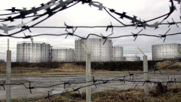 Zbiorniki z ropą z rurociągu Przyjaźń, Białoruś - Sputnik Polska