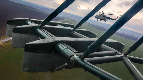 Śmigłowiec Mi-8 Sił Zbrojnych Ukrainy - Sputnik Polska
