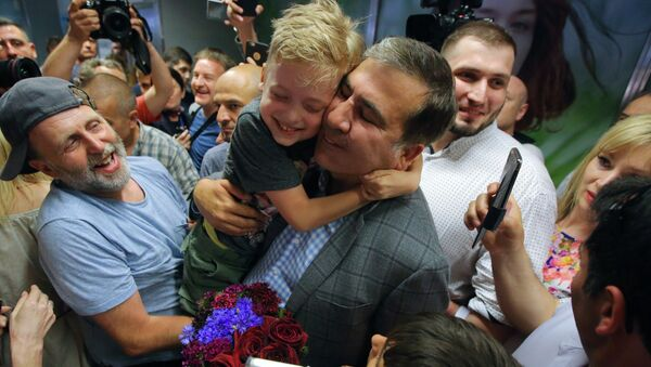 Były prezydent Gruzji i były gubernator obwodu odeskiego Ukrainy Michaił Saakaszwili na lotnisku Boryspol - Sputnik Polska