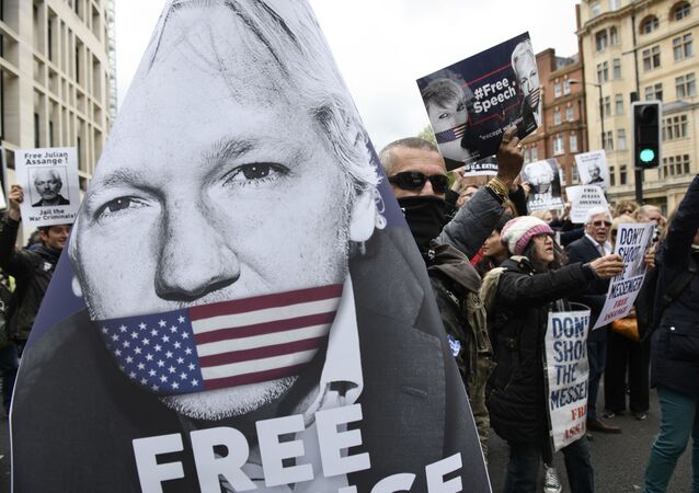 Akcja zwolenników Juliana Assange'a w Londynie