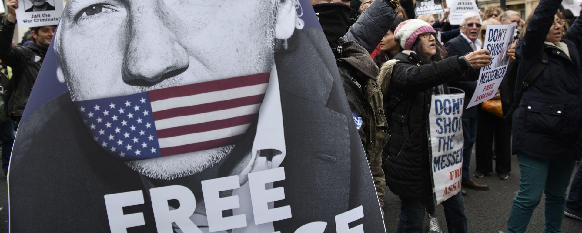 Akcja zwolenników Juliana Assange'a w Londynie - Sputnik Polska, 1920, 06.01.2021