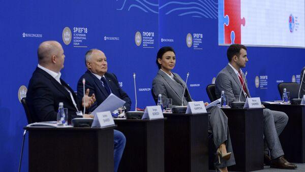 Sesja plenarna Przedsiębiorstwo w Rosji: historia sukcesu czy akademia niepowodzeń w ramach Petersburskiego Forum Ekonomicznego 2018 - Sputnik Polska