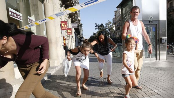 Miejsce, w którym samochód wjechał w ludzi w Barcelonie - Sputnik Polska