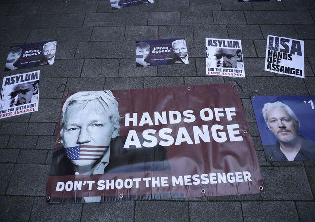 Poparcie dla Assange'a