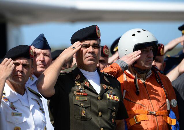 Minister obrony Wenezueli wita rosyjskich lotników, 10 grudnia 2018 roku