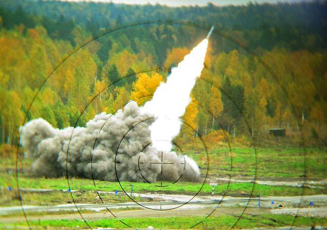 System artylerii rakietowej Smiercz w czasie pokazu zbrojeń Russian Expo Arms-2013 w Niżnym Tagile