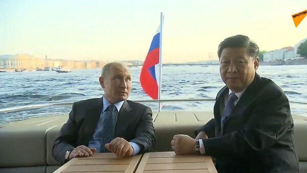 """Putin pokazał Xi Jinpingowi """"perły Petersburga""""  - Sputnik Polska"""