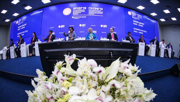 Międzynarodowe Forum Ekonomiczne w Petersburgu  - Sputnik Polska