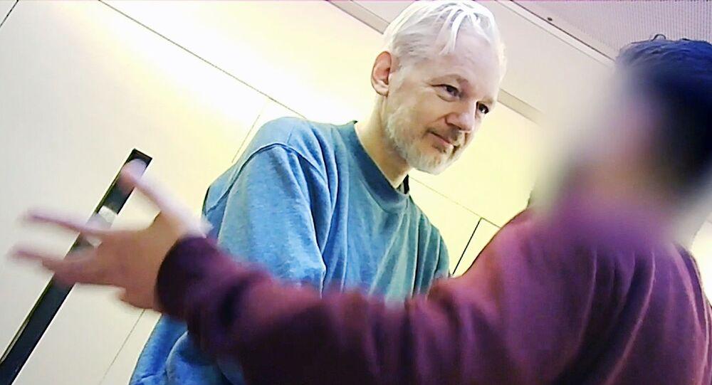 Założyciel WikiLeaks Julian Assange w więzieniu Belmarsh w Londynie