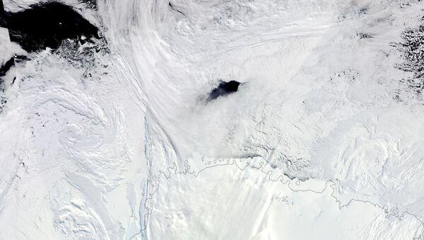 Dziura w centrum Antarktydy - Sputnik Polska