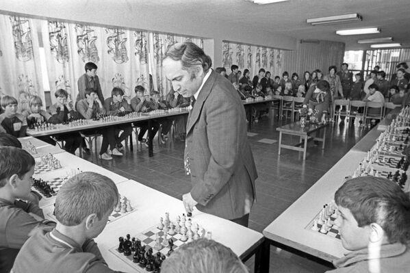 Szachista Michaił Tal w Arteku, 1977 rok - Sputnik Polska