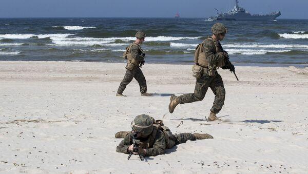 Amerykańscy desantowcy podczas ćwiczeń Baltops na wybrzeżu Morza Bałtyckiego na Litwie. Zdjęcie archiwalne - Sputnik Polska