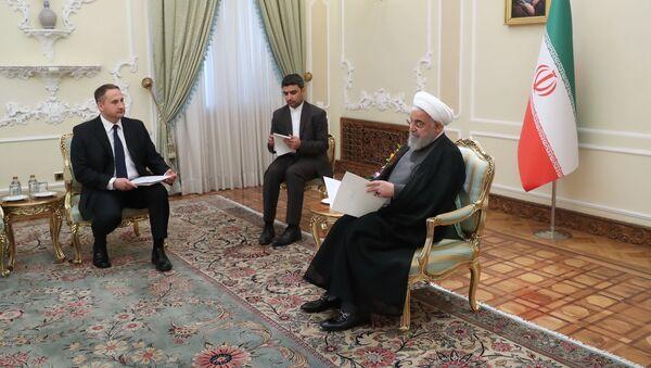 Nowy ambasador Polski w Iranie Maciej Fałkowski na spotkaniu z prezydentem Hassanem Rouhanim - Sputnik Polska
