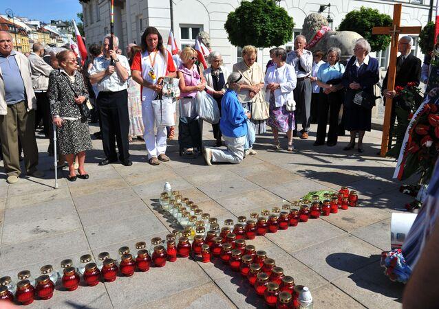 Apel pamięci ofiar katastrofy smoleńskiej w Warszawie