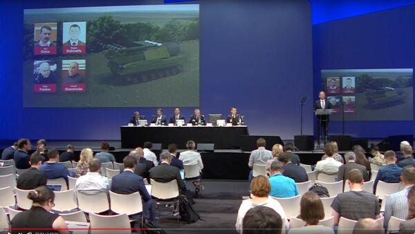 Konferencja prasowa wspólnego zespołu dochodzeniowego w sprawie katastrofy Boeinga MH17 - Sputnik Polska