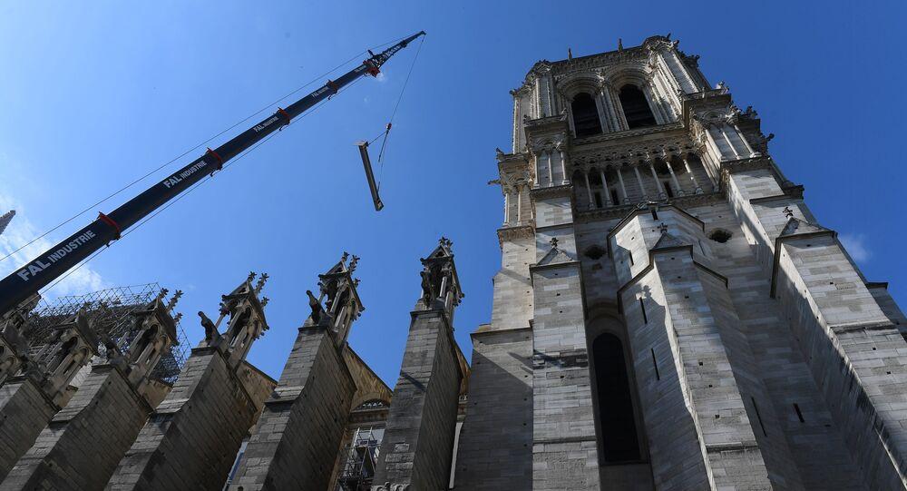 Katedra Notre Dame w Paryżu po pożarze