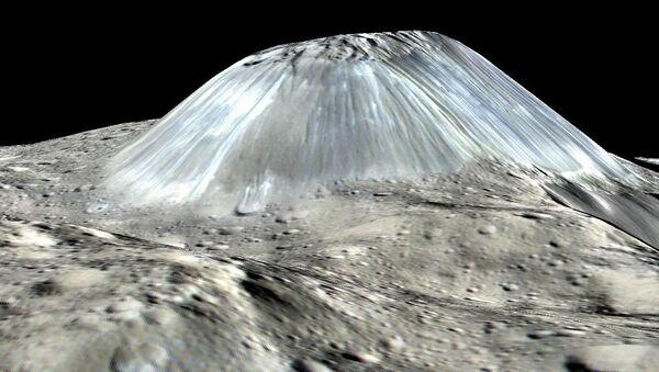 Lodowy wulkan Ahuna Mons na planecie Ceres - Sputnik Polska