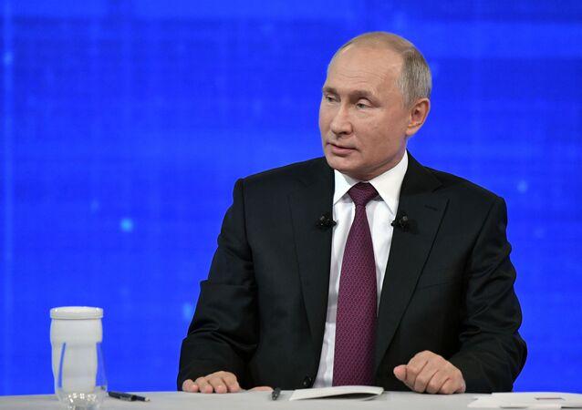 Gorąca linia z Putinem