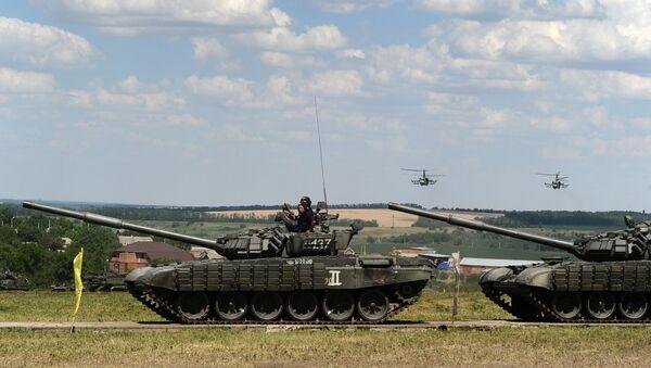 """Czołgi T-72BZ podczas międzynarodowego forum wojskowego """"Armia 2019"""" - Sputnik Polska"""