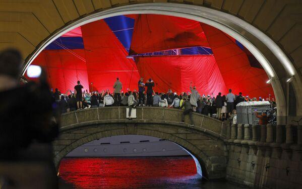 "Bryg Rosja na festiwalu ""Szkarłatne żagle"" w Petersburgu - Sputnik Polska"