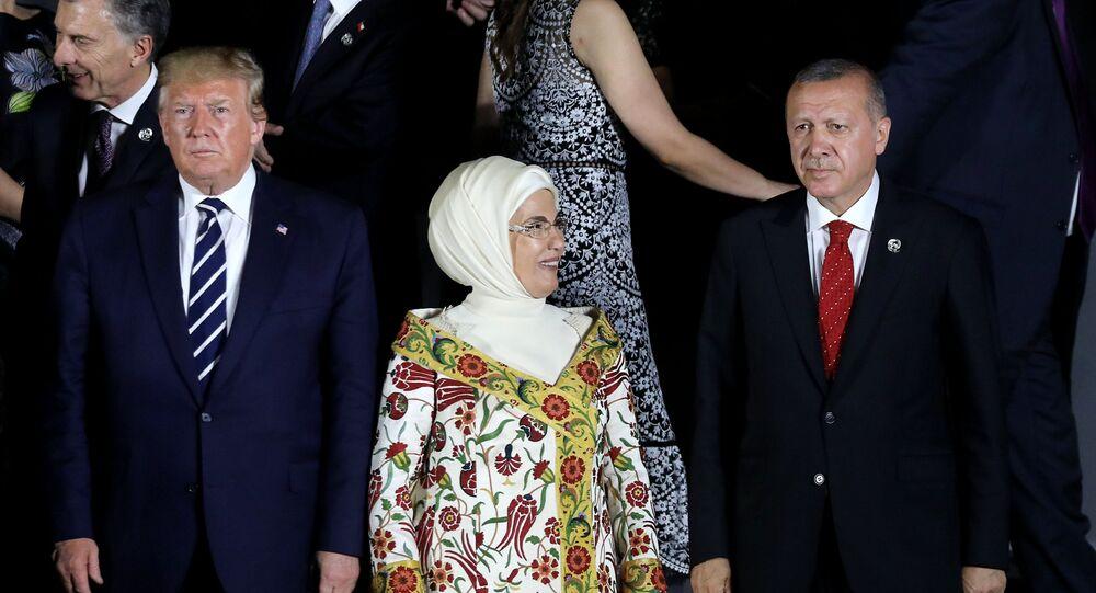 Prezydent USA Donald Trump i prezydent Turcji Recep Tayyip Erdogan na szczycie G20