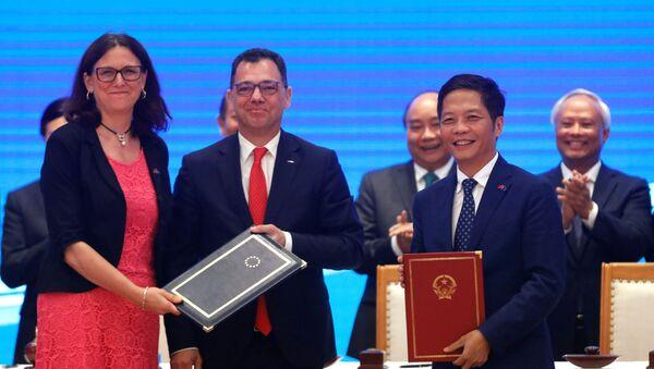 UE i Wietnam podpisały umowę o wolnym handlu - Sputnik Polska