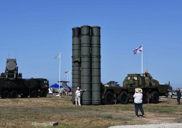 """System rakiet przeciwlotniczych S-400 """"Triumf"""""""
