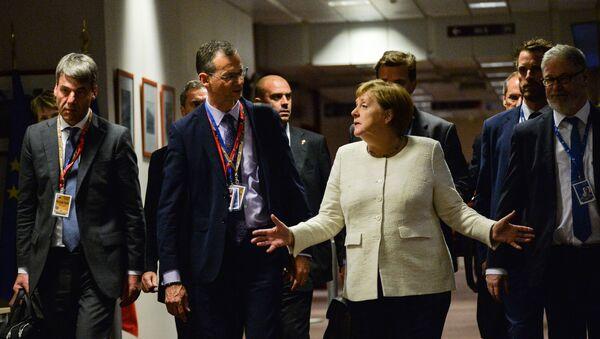 Angela Merkel podczas szczytu UE w Brukseli - Sputnik Polska