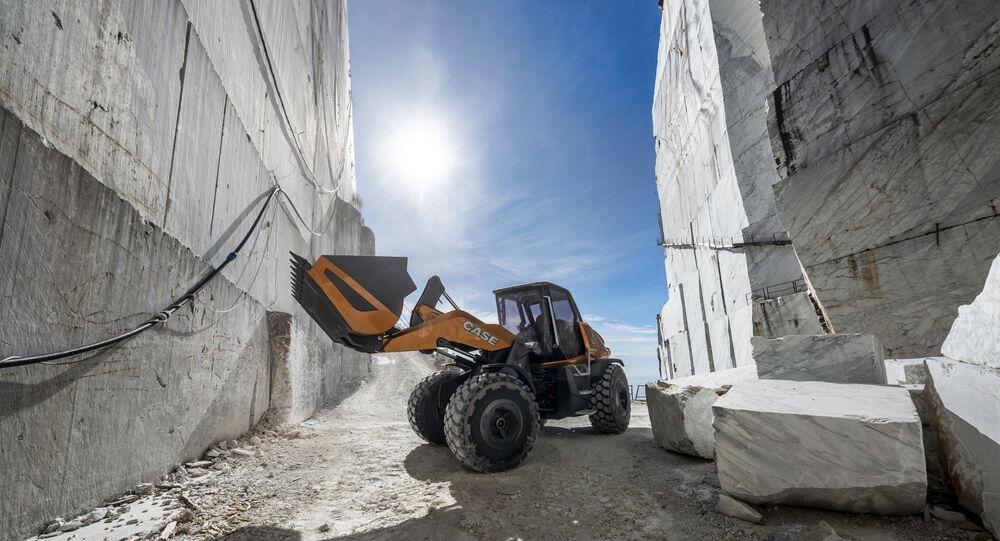 """Prezentacja prasowa nowej koncepcji ładowarki kołowej """"TETRA"""" firmy Case Construction"""