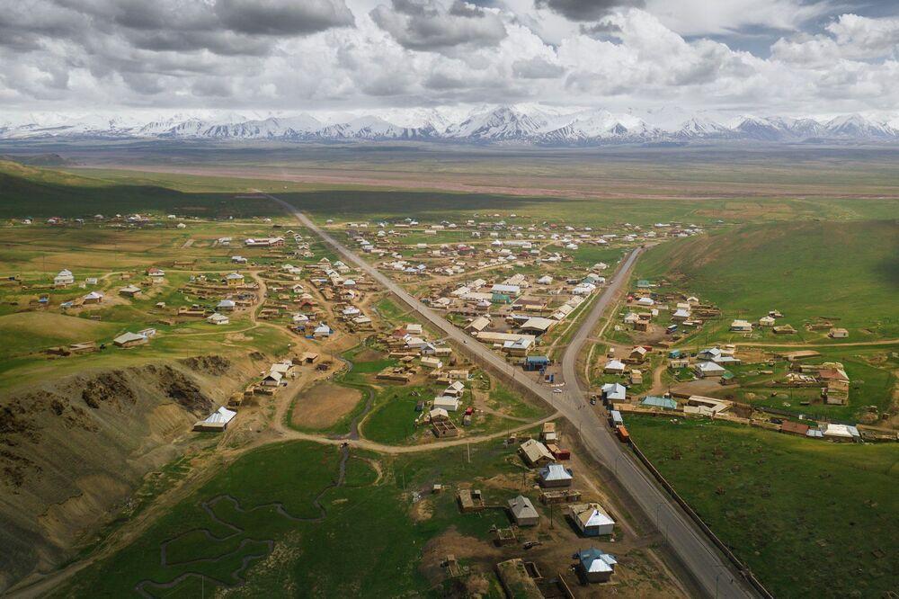 Wioska Sary-Tasz w Kirgistanie