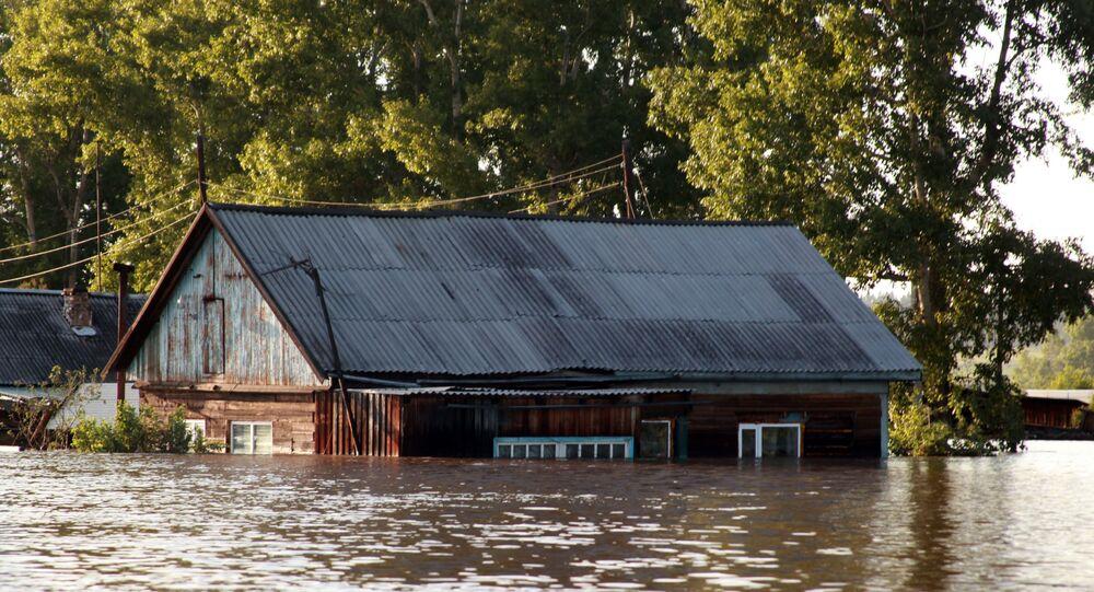 Вид на подтопленные районы Тулуна. В Иркутской области действует режим чрезвычайной ситуации из-за паводка