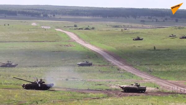 Wielkoskalowe ćwiczenia czołgowe pod Czelabińskiem - Sputnik Polska