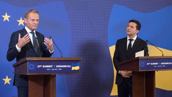 Donald Tusk i Wołodymyr Zełenski - Sputnik Polska