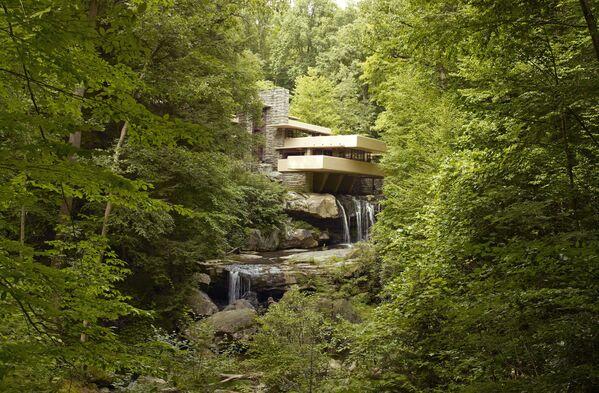 Dom nad wodospadem amerykańskiego architekta Franka LLoyda Wrighta - Sputnik Polska