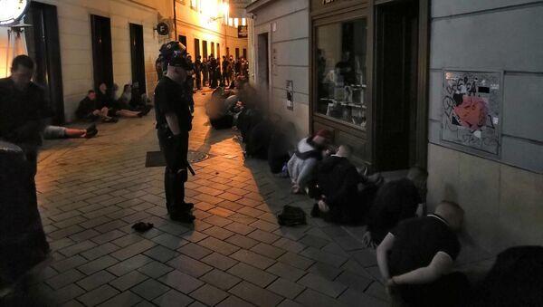 Masowa bójka w Bratysławie - Sputnik Polska