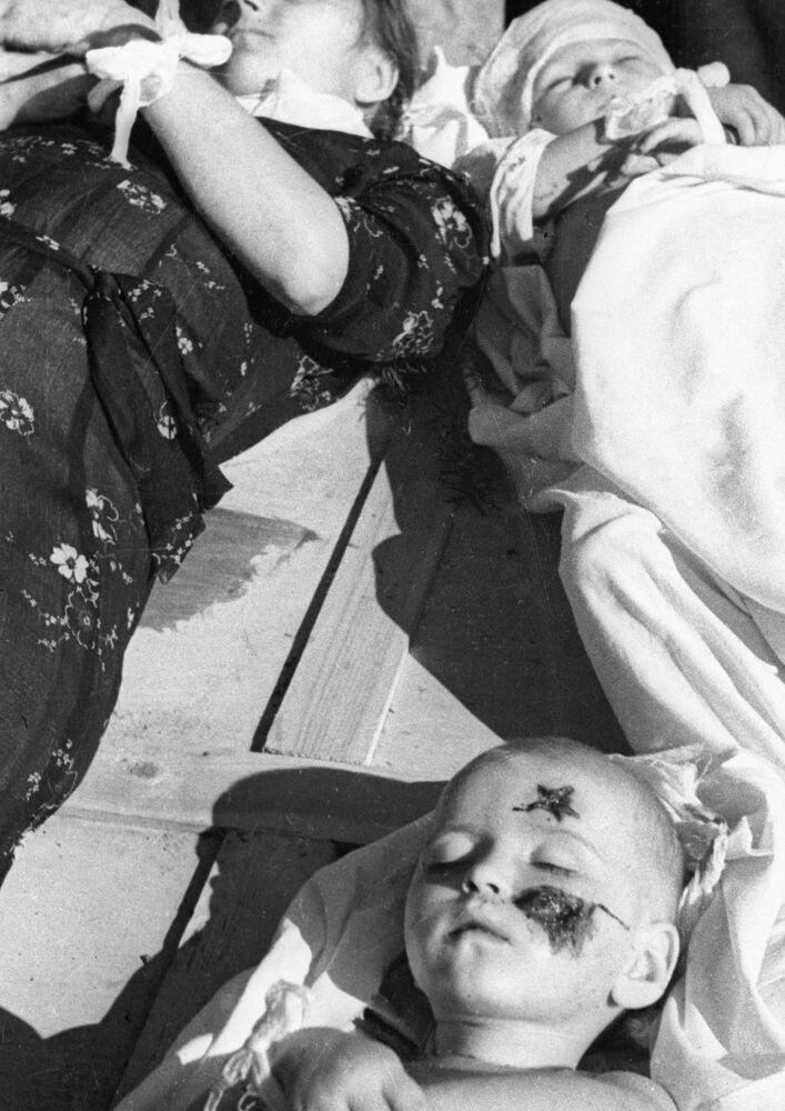 Polska rodzina, zabita w czasie Rzezi Wołyńskiej, 1944.