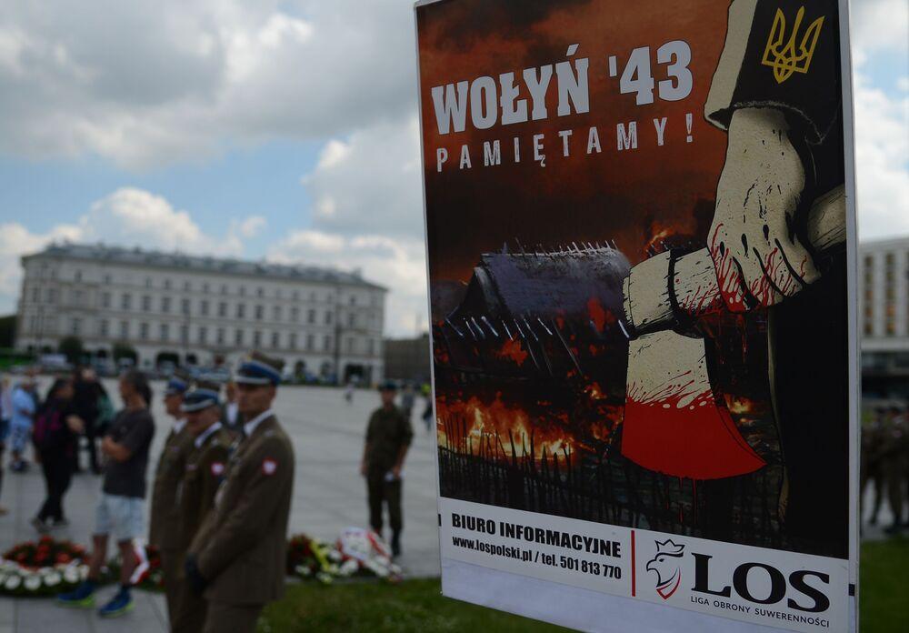 Akcja ku pamięci ofiar Rzezi Wołyńskiej w Warszawie.