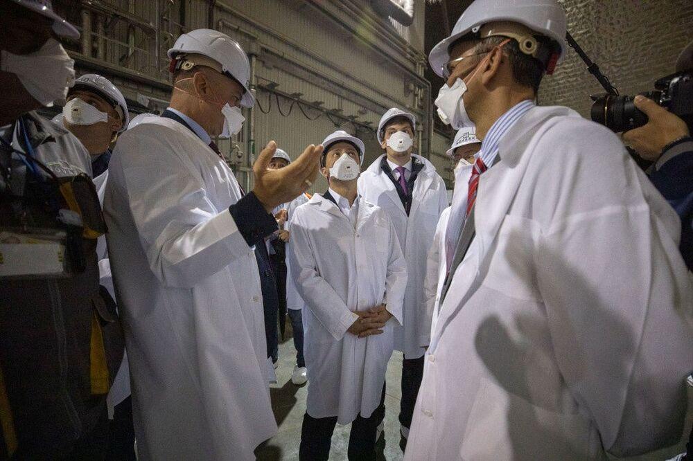 Prezydent Ukrainy Wołodymyr Zełenski bierze udział w uroczystości oddania do użytku nowego sarkofagu nad czwartym blokiem Czarnobylskiej Elektrowni Atomowej.
