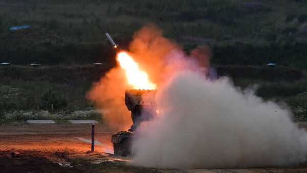 Miotacz ognia TOS-1A  - Sputnik Polska