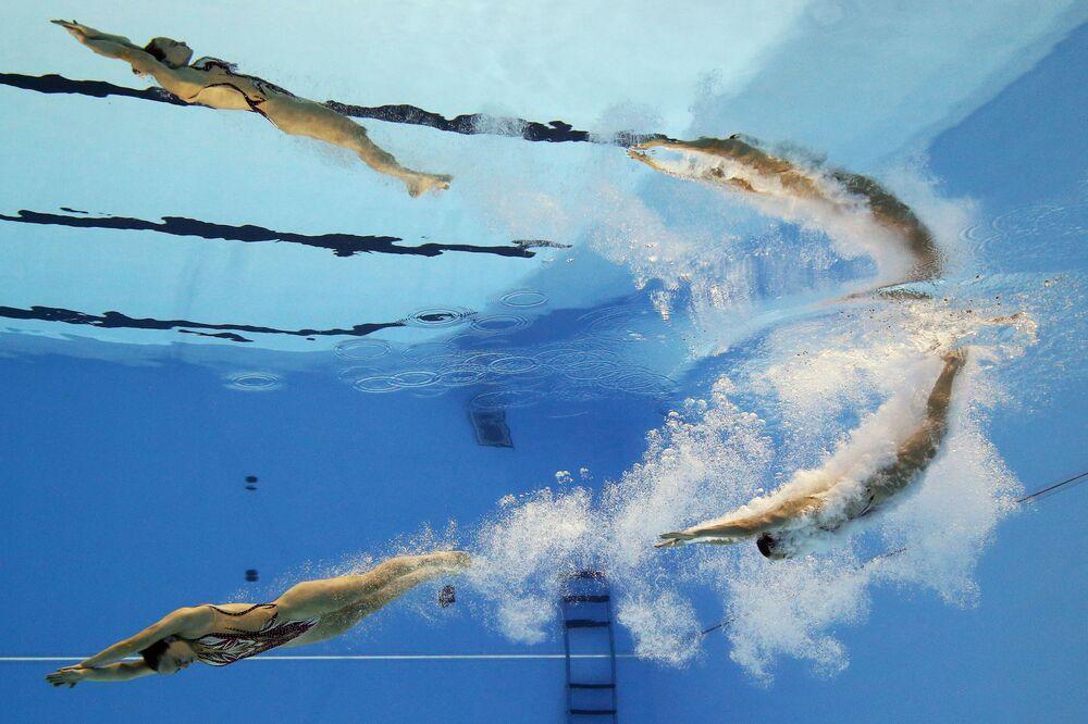 Brytyjski duet Kate Shortman i Isabelle Thorpe na pływackich mistrzostwach świata w południowokoreańskim Gwangju