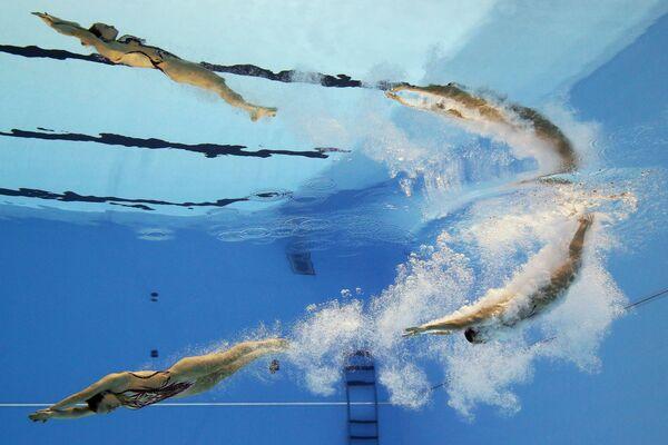 Brytyjski duet Kate Shortman i Isabelle Thorpe na pływackich mistrzostwach świata w południowokoreańskim Gwangju - Sputnik Polska