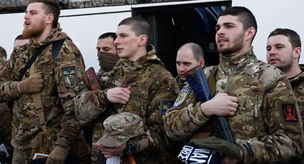 Żołnierze sił specjalnych przed wysłaniem na południowy wschód Ukrainy. Zdjęcie archiwalne