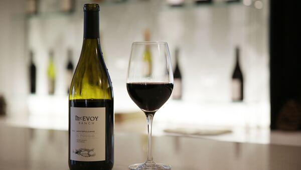 Wino wyprodukowane w Kalifornii - Sputnik Polska