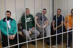 Zatrzymani ukraińscy marynarze na posiedzeniu sądu w Moskwie, gdzie rozpatrywany jest wniosek śledczych o przedłużeniu im aresztu
