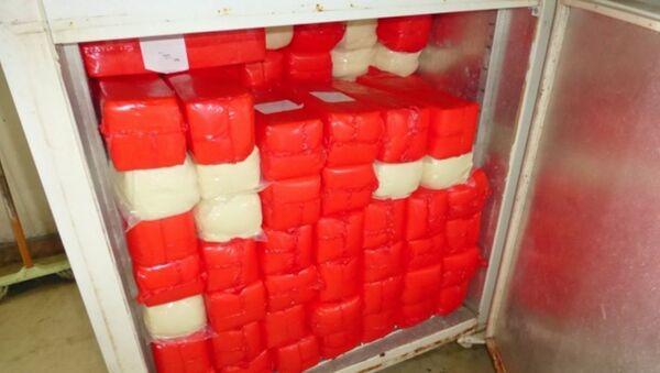 400 kg sankcyjnego sera skonfiskowanego przez funkcjonariuszy straży granicznej na posterunku celnym  w Mamonowie - Sputnik Polska