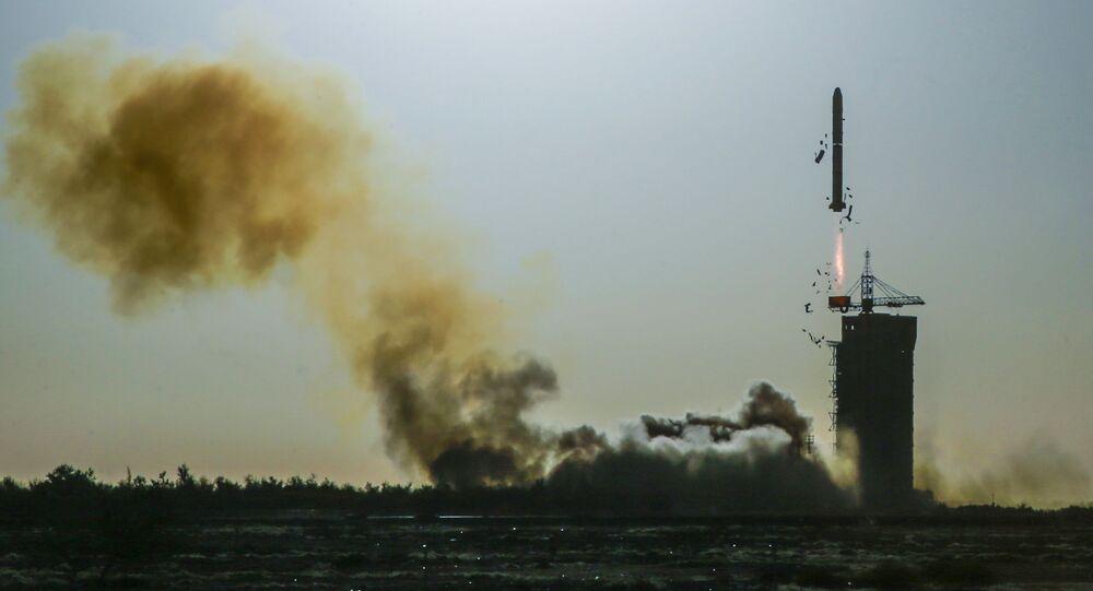 Wystrzał rakiety Long March 2/SM w Chinach, zdjęcie archiwalne