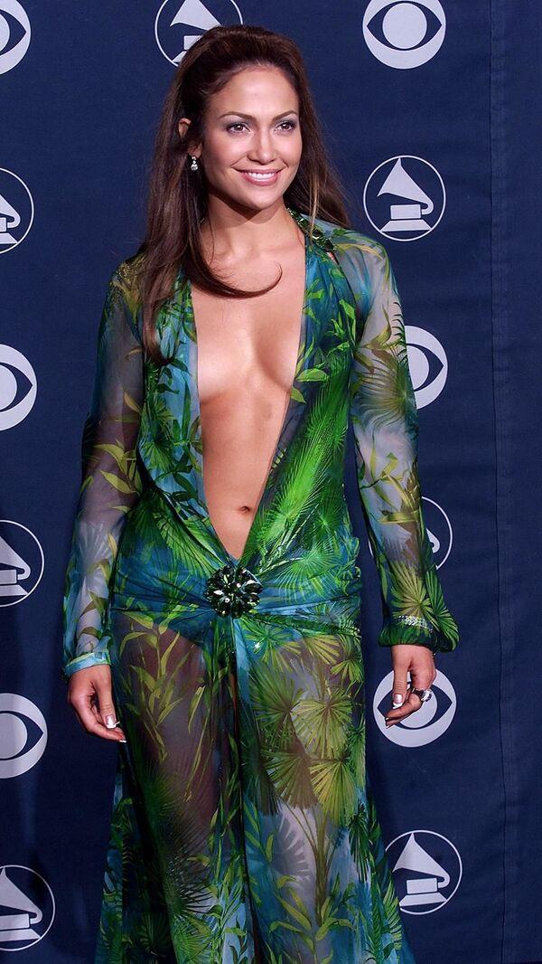 Jennifer Lopez podczas ceremonii wręczenia nagród Grammy w 2000 roku  - Sputnik Polska