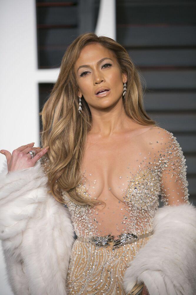 Jennifer Lopez na przyjęciu po wręczeniu nadród Akademii Filmowej w 2015 roku