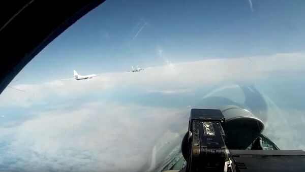 Planowy lot strategcznych bombowców Tu-160 nad Morzem Bałtyckim - Sputnik Polska